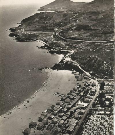 Vue aérienne de la plage du Racou